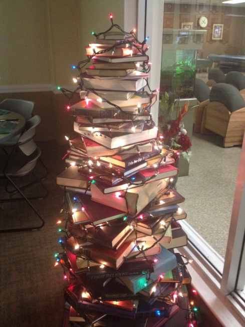 a book tree inspired by Pinterest