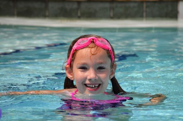 kk in pool