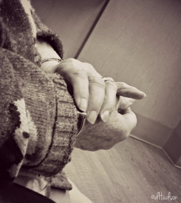 Mamas hands black and white